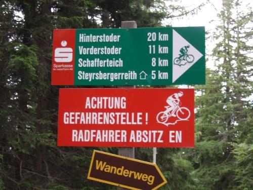 Foto: hofsab / Mountainbike Tour / Huttererböden (1404 m) von Hinterstoder über Steyerbergerreith / Vorsicht bei Gegenverkehr! / 25.08.2009 13:10:52