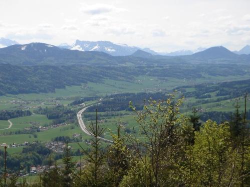 Foto: hanna84 / Wander Tour / Von Oberwang auf die Kulmspitze / Vom Westhang des Mondseeberges schauen wir bis zum Untersberg / 24.07.2009 20:25:34
