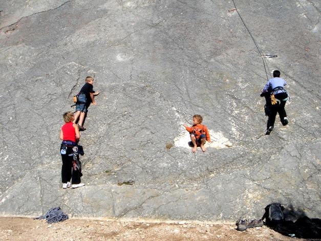 Foto: Manfred Karl / Kletter Tour / Familienklettern am Monte Baone / Hier hat jeder seinen Spass! / 24.07.2009 23:40:38