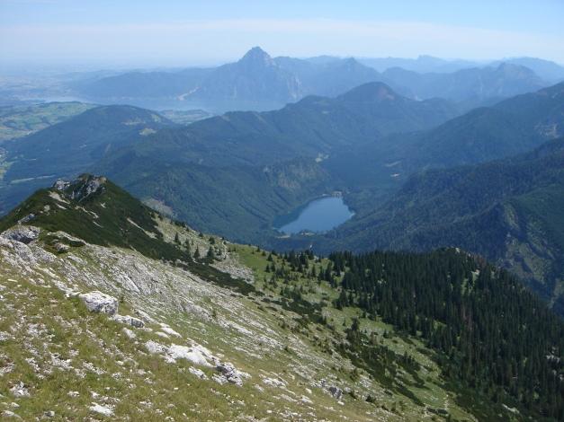 Foto: Manfred Karl / Kletter Tour / Brunnkogel Nordwestgrat / Langbathsee, im Hintergrund der Traunstein / 31.07.2009 20:10:46