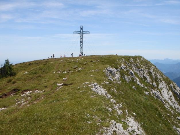 Foto: Manfred Karl / Kletter Tour / Brunnkogel Nordwestgrat / Das 14 Meter hohe Gipfelkreuz am Brunnkogel / 31.07.2009 20:10:19