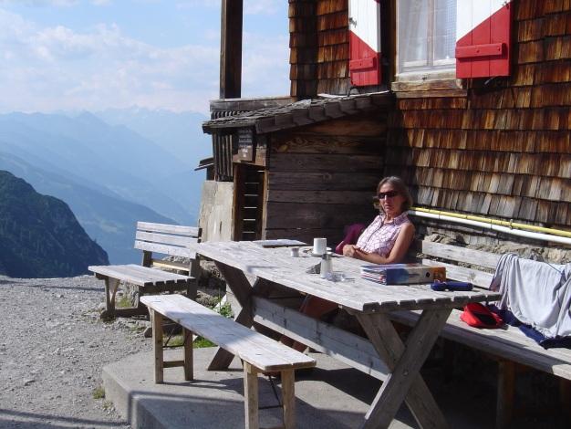 Foto: Manfred Karl / Kletter Tour / Kleine Gamswiesenspitze Nordostkante / Rast bei der Karlsbader Hütte / 31.07.2009 20:35:01