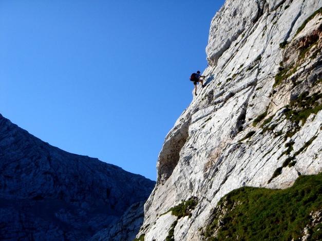 Foto: Manfred Karl / Klettersteig Tour / Schermberg, Tassilo Klettersteig / Fotogener Quergang: Der neue Klettersteig am Schermberg besticht nicht nur durch schöne Kletterstellen / 02.08.2009 21:07:15