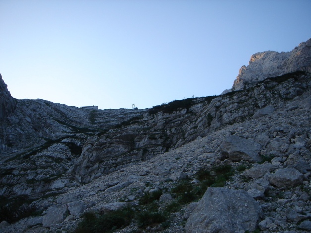 Foto: Manfred Karl / Klettersteig Tour / Schermberg, Tassilo Klettersteig / Noch ist es ein Stück zur Welser Hütte / 02.08.2009 21:03:50