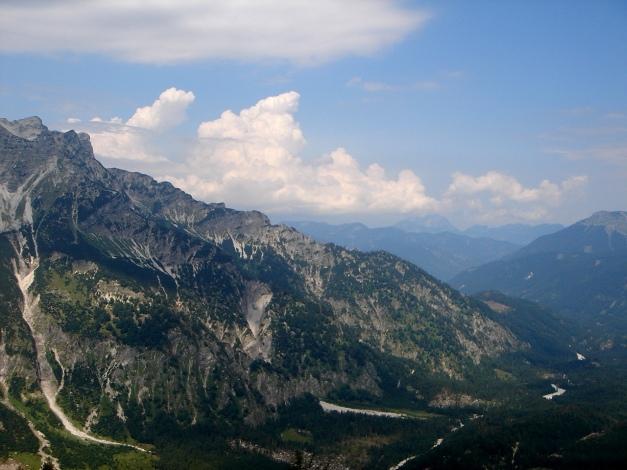 Foto: Manfred Karl / Klettersteig Tour / Schermberg, Tassilo Klettersteig / Wolkenaufzug - erste Vorboten des Wettersturzes / 02.08.2009 20:51:16
