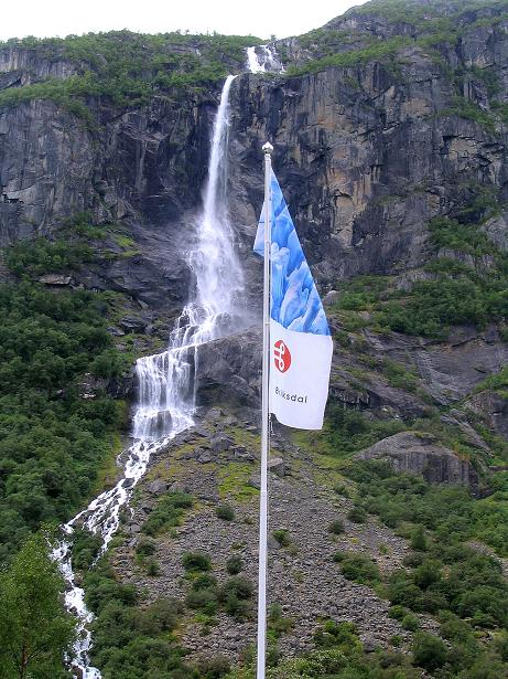 Foto: Andreas Koller / Wander Tour / Gletschererlebnis Briksdalsbreen (150 m) / Wasserfall im hintersten Briksdal / 04.08.2009 19:19:04