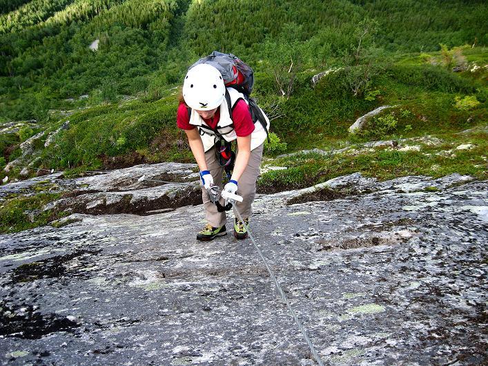 Foto: Andreas Koller / Klettersteig Tour / Klettersteig Lomseggen (1524m) / Schlüsselstelle: glatte - weil nasse und trittarme - Platte (C) / 05.08.2009 16:53:49