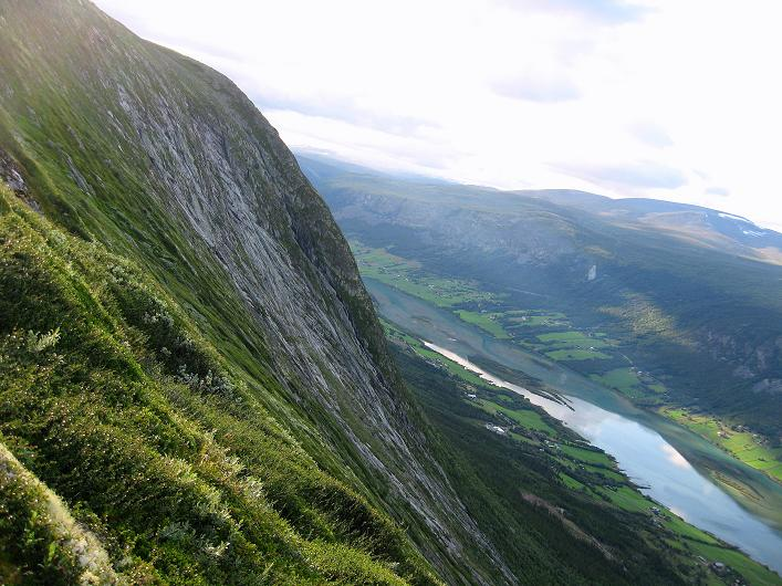 Foto: Andreas Koller / Klettersteig Tour / Klettersteig Lomseggen (1524m) / Die steilen Platten des Lomseggen / 05.08.2009 16:46:17