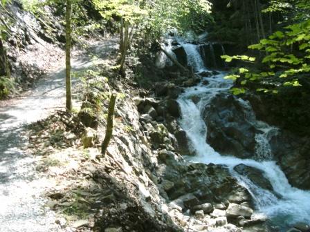 Foto: Johann P. / Mountainbike Tour / Runde um Windischgarsten / Wasserfall im Fraitgraben / 07.08.2009 13:03:54