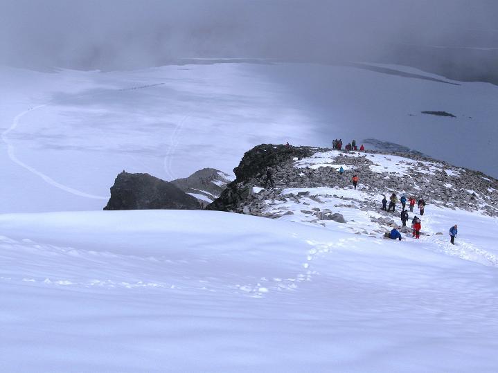 Foto: Andreas Koller / Wander Tour / Galdhopiggen (2469m) - Gletschertour auf den höchsten Berg Nordeuropas  / Blick über den N-Sporn zum Styggebreen / 07.08.2009 01:01:32