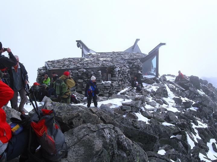 Foto: Andreas Koller / Wander Tour / Galdhopiggen (2469m) - Gletschertour auf den höchsten Berg Nordeuropas  / Die Knut Voles Hytta  / 07.08.2009 01:00:15