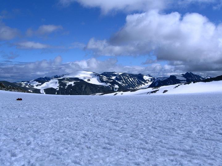 Foto: Andreas Koller / Wander Tour / Galdhopiggen (2469m) - Gletschertour auf den höchsten Berg Nordeuropas  / Blick zum Glittertind (2465 m) / 07.08.2009 00:49:22