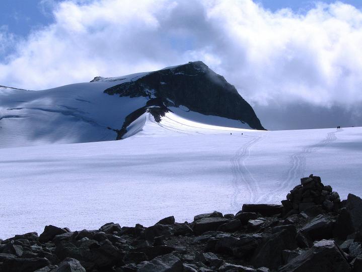 Foto: Andreas Koller / Wander Tour / Galdhopiggen (2469m) - Gletschertour auf den höchsten Berg Nordeuropas  / Der Galdhopiggen / 07.08.2009 00:48:47