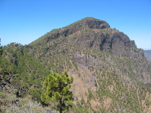 Foto: elipes / Wander Tour / Pico Bejenado / Pico Bejenado vom Aufstiegsweg / 04.08.2009 12:21:05