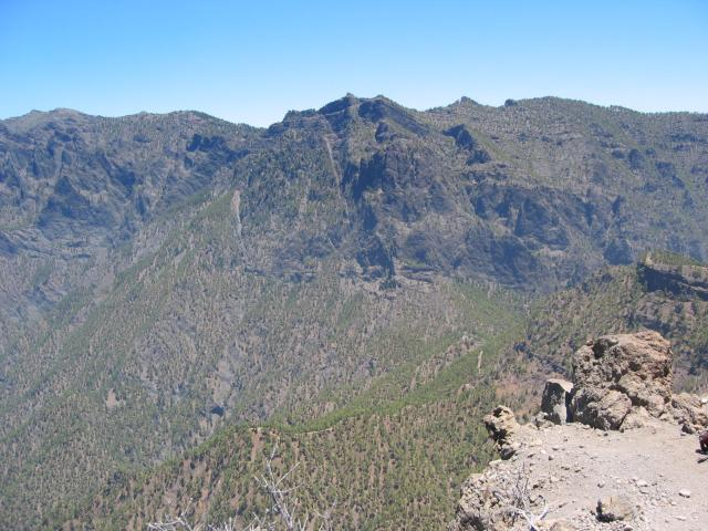 Foto: elipes / Wander Tour / Pico Bejenado / Blick in die Caldera / 04.08.2009 12:22:21