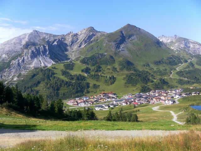 Foto: Wolfgang Lauschensky / Wander Tour / Herbertspitze (2137m) / Blick von der Gamskarlspitze zu den Kesselspitzen, darunter die Herbertspitze, rechts die Gamsleitenspitze / 24.08.2012 19:16:00