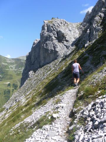 Foto: Wolfgang Lauschensky / Wander Tour / Herbertspitze (2137m) / unter der Nordwand der Herbertspitze / 24.08.2012 19:15:30