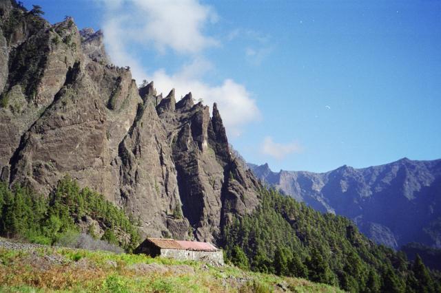 Foto: elipes / Wander Tour / Von Los Brecitos durch die Caldera / Bauernhaus in der Caldera / 11.08.2009 08:50:23