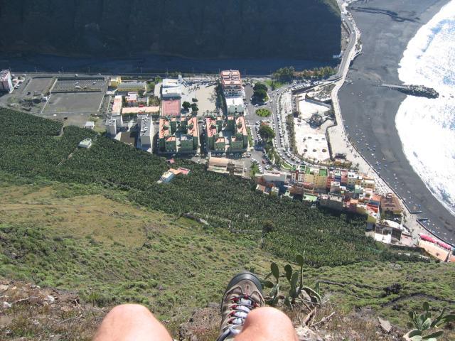 Foto: elipes / Wander Tour / El Time / Tiefblick auf Puerto de Tazacorte / 10.08.2009 18:25:09