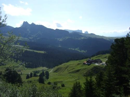 Foto: hofsab / Mountainbike Tour / Rund um den Langkofel über Col Rodela (2484 m) / Seiser Alm mit Schlern / 27.08.2009 21:35:51