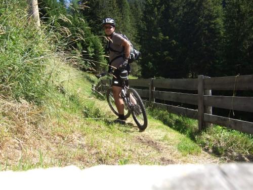 Foto: hofsab / Mountainbike Tour / Rund um den Langkofel über Col Rodela (2484 m) / nette Wege / 27.08.2009 21:41:04