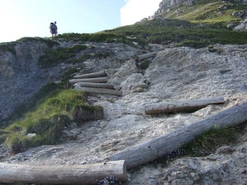 Foto: hofsab / Mountainbike Tour / Rund um den Langkofel über Col Rodela (2484 m) / kurze Tragestrecken am Friedrich August Weg / 27.08.2009 21:32:07