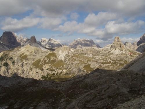 Foto: hofsab / Mountainbike Tour / Rund um die Drei Zinnen über Paternsattel (2454 m) / grandiose Kulisse am Sattel / 26.08.2009 13:04:04