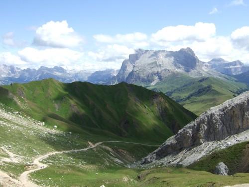 Foto: hofsab / Mountainbike Tour / Rund um den Schlern über Eselrücken (2560 m) und Prügelweg / ein Blick zurück / 27.08.2009 21:05:06