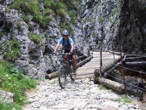 Foto: hofsab / Mountainbike Tour / Rund um den Schlern über Eselrücken (2560 m) und Prügelweg / die Anstrengnungen lohnen sich / 27.08.2009 21:16:35