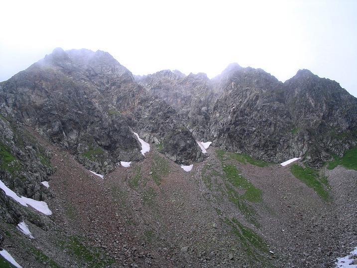 Foto: Andreas Koller / Wander Tour / Über den Gefrorenen See zum Dreistecken-Grat (2449 m) / Über dem See der Dreisteckengrat / 07.08.2009 16:51:08