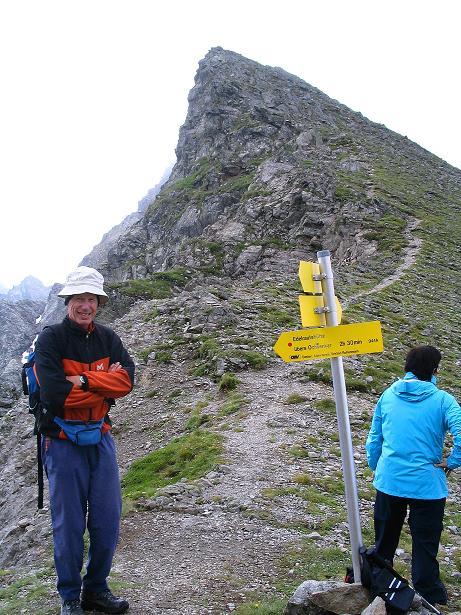 Foto: Andreas Koller / Wander Tour / Über den Gefrorenen See zum Dreistecken-Grat (2449 m) / In der Scharte / 07.08.2009 16:48:51