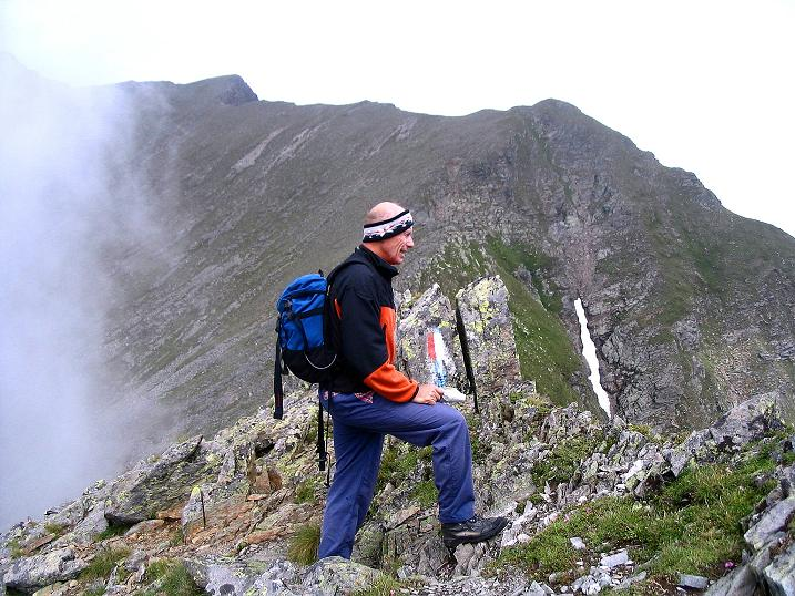 Foto: Andreas Koller / Wander Tour / Über den Gefrorenen See zum Dreistecken-Grat (2449 m) / Am spannenden Dreisteckengrat / 07.08.2009 16:44:21