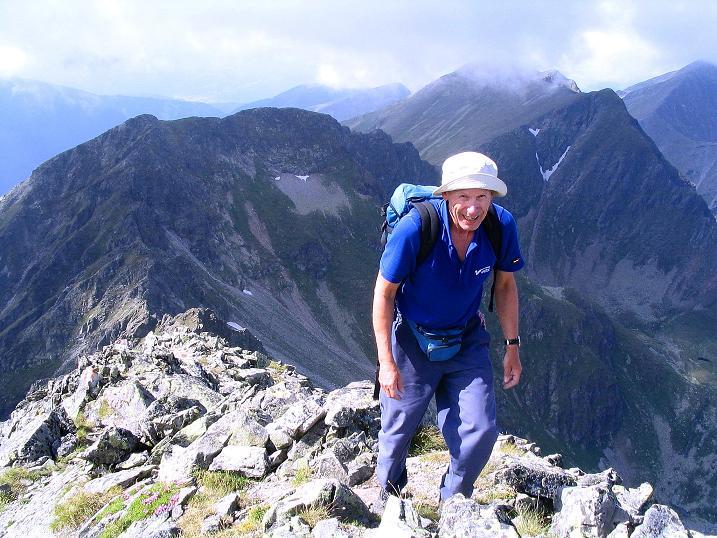 Foto: Andreas Koller / Wander Tour / Über den Gefrorenen See zum Dreistecken-Grat (2449 m) / Die letzten Meter am Grat / 07.08.2009 16:36:51