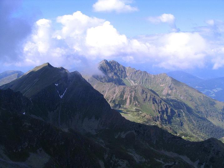 Foto: Andreas Koller / Wander Tour / Über den Gefrorenen See zum Dreistecken-Grat (2449 m) / Blick zur Hochhaide (2363 m) / 07.08.2009 16:32:58