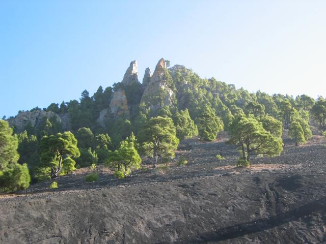 Foto: elipes / Wander Tour / Von Jedey zu den Campanarios / Blick zu den Campanarios / 10.08.2009 18:46:17