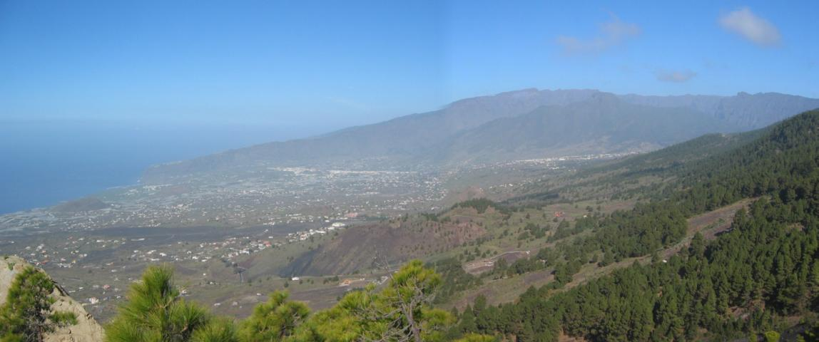 Foto: elipes / Wander Tour / Von Jedey zu den Campanarios / Blick auf die Westküste / 10.08.2009 18:47:26