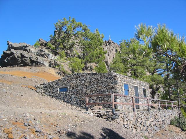 Foto: elipes / Wander Tour / Von der Ermita Virgen del Pino zur Punta de los Roques / Refugio / 10.08.2009 19:45:24
