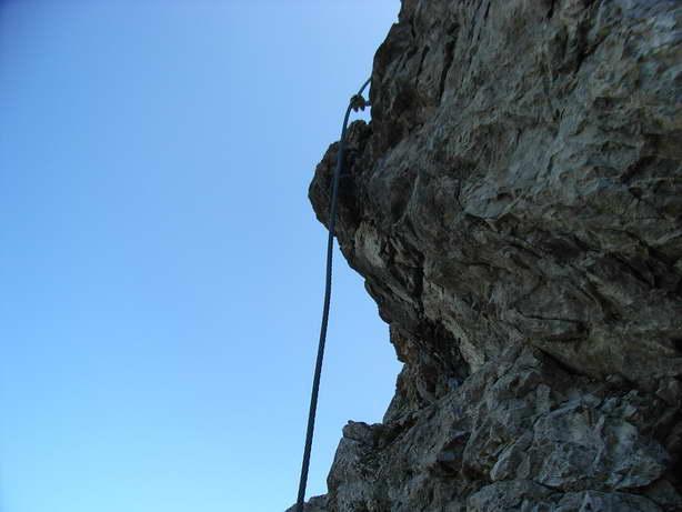 Foto: felskraxler / Klettersteig Tour / Lachenspitze Nordwand Klettersteig / Senkrechter Einstieg, aber nicht die Schlüsselstelle / 11.08.2009 00:32:52