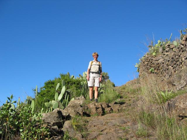 Foto: elipes / Wander Tour / Vom Mirador El Time zum Torre del Time / Am Aufstiegsweg / 11.08.2009 09:19:12