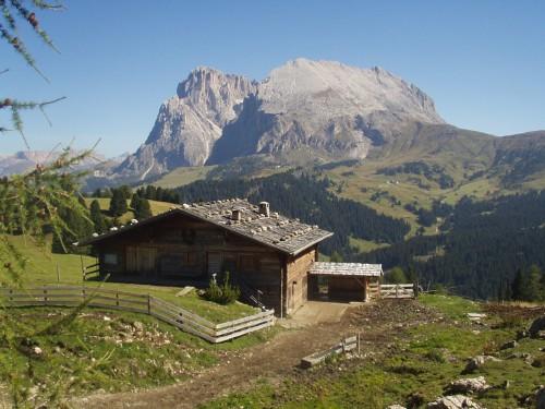 Foto: hofsab / Mountainbike Tour / Seiser Alm-Runde über Seiser Alm-Haus (2145 m)  / Panorama zum Langkofel / 27.08.2009 21:24:09