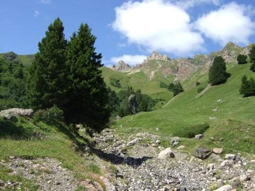 Foto: hofsab / Mountainbike Tour / Seiser Alm-Runde über Seiser Alm-Haus (2145 m)  / steile Schotterstraße / 27.08.2009 21:23:22
