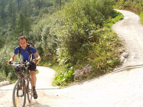 Foto: hofsab / Mountainbike Tour / Gotzenalm (1685m) von Berchtesgaden / extrem steiler Schlussanstieg / 26.08.2009 12:55:03