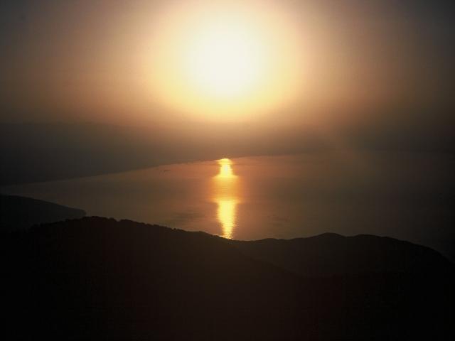 Foto: berglerin / Wander Tour / Auf den höchsten Berg Istriens / Sonnenaufgang über der Kvarner Bucht / 18.08.2009 20:11:49