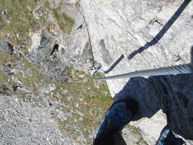 Foto: Manfred Karl / Klettersteig Tour / Südwand Klettersteig auf die Tschenglser Hochwand / Einstiegswand von oben / 22.08.2009 21:15:11