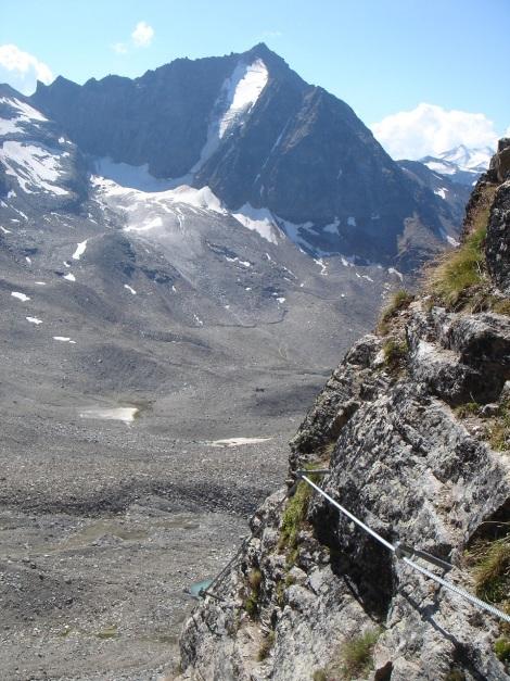 Foto: Manfred Karl / Klettersteig Tour / Südwand Klettersteig auf die Tschenglser Hochwand / Vertainspitze Nordwand - immer noch mit einer beeindruckenden Eiswand / 22.08.2009 21:13:51