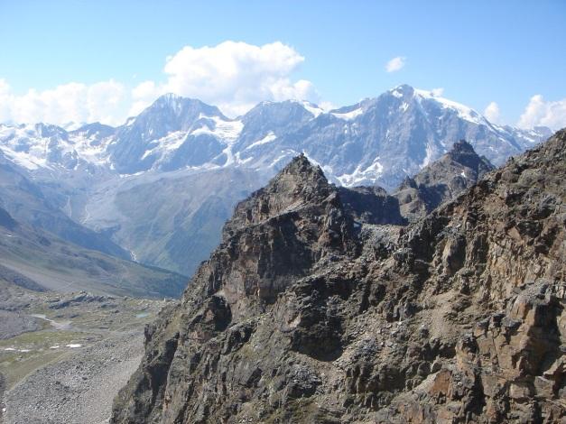 Foto: Manfred Karl / Klettersteig Tour / Südwand Klettersteig auf die Tschenglser Hochwand / Das berühmte Dreigestirn: Königspitze - Monte Zebru - Ortler / 22.08.2009 21:10:32