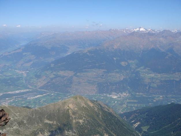 Foto: Manfred Karl / Klettersteig Tour / Südwand Klettersteig auf die Tschenglser Hochwand / Markanter Gipfel über dem Vinschgau: Die Weißkugel / 22.08.2009 21:03:53