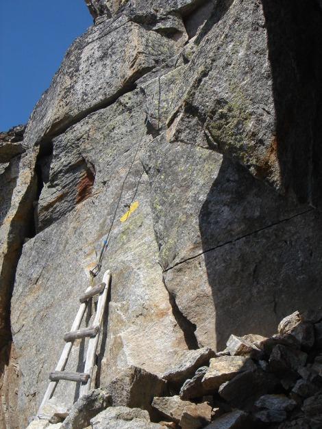 Foto: Manfred Karl / Klettersteig Tour / Südwand Klettersteig auf die Tschenglser Hochwand / Otto Erich Steig - die untere Holzleiter / 22.08.2009 21:00:39