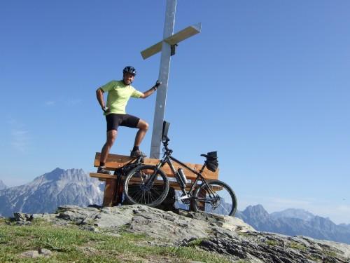 Foto: hofsab / Mountainbike Tour / Rund um das Spielberghorn über Asitzkopf (1914 m) und Schreiende Brunnen / am Gipfel des Asitzkopf (1914 m) / 28.08.2009 19:01:28