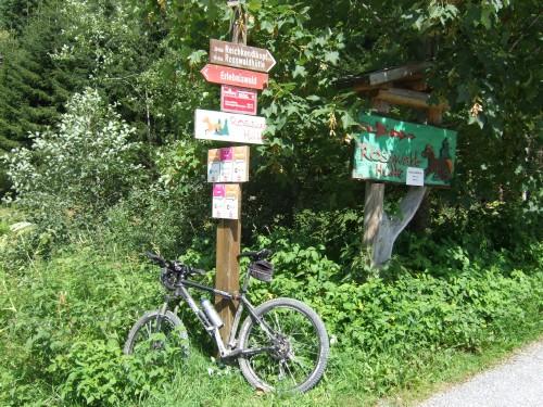 Foto: hofsab / Mountainbike Tour / Rund um das Spielberghorn über Asitzkopf (1914 m) und Schreiende Brunnen / Auffahrt über Schönwies zur Rossfeldhütte / 28.08.2009 19:07:22